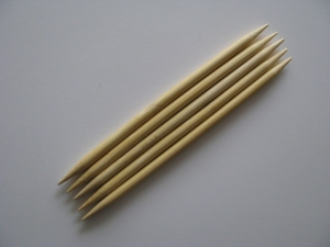 Bambus-Nadelspiel - 8 mm - 20 cm lang - Handarbeit kaufen