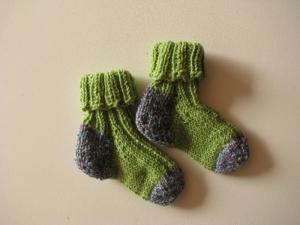 Babysocken aus Sockenwolle, gestrickt - UNIKAT