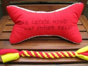 Zergel aus Fleece - mit passendem Leseknochen für Frauchen  - Handarbeit kaufen