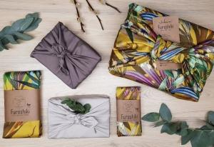 Furoshiki | Taupe BW Satin Geschenkverpackung aus Stoff Made in Deutschland