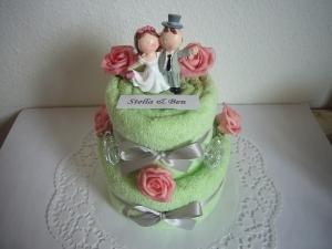 Hochzeitsgeschenk grün mit Namen individualisiert Herzen Rosen Geschenk Hochzeit - Handarbeit kaufen