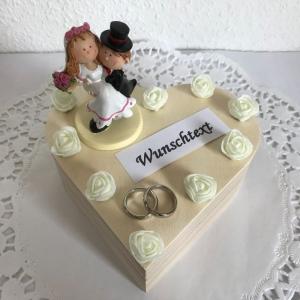 Hochzeit Geldgeschenk Trauung Herz Holz-Box personalisiert Namen Brautpaar Rosen Ringe Standesamt Flitterwochen kaufen - Handarbeit kaufen