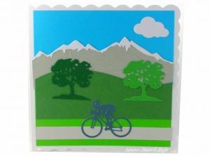 Geburtstagskarte für Radfahrer mit Berge im Hintergrund, ca. 15 x 15 cm - Handarbeit kaufen