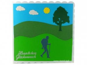 Grußkarte Wandern für Wandere mit grüne Wiesen und Baum,  ca. 15 x 15 cm