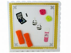 Geburtstagskarte, Shoppinggutschein Verpackung, Grußkarte, Mädchen, Mode, Lidschatten, Haarbänder, Haarspray, Fußwärmer und Ohrringe, ca. 15 x 15 cm - Handarbeit kaufen