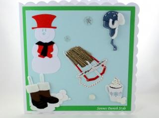 Geburtstagskarte, Grußkarte, Winterkarte, Schneemann, Schlitten, Mütze, Winterstiefel, Kakao, die Karte ist ca. 15 x 15 cm