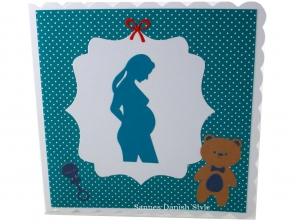 Grußkarte, Schwangerschaft, Schwangerschaftskarte, schwangere Frau, Plüschtier und Rassel, Die Karte ist ca. 15 x 15 cm - Handarbeit kaufen