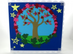 RESERVIERT, Karte mit Lebensbaum und Sternen, die Karte ist ca. 15 x 15 cm