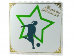 Frauenfußball, Grußkarte, Glückwunschkarte Fußball Sport mit Fußballer, Ball, grün und weiß, ca. 15 x 15 cm - Handarbeit kaufen