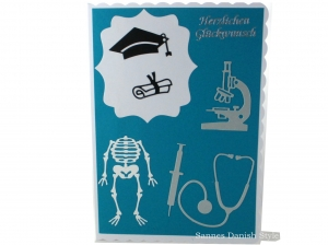Grußkarte, Studium abgeschlossen, Arzt, Diplom, zur Promotion, Mikroskop, Skelett, Kanüle, Stehoskop, DIN A5 - Handarbeit kaufen