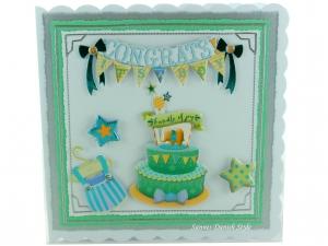 Glückwünsche Geburt Junge, Grußkarte in Blautöne, Geburtskarte mit Torte, Strampler, Sternen und englische Text, Die Karte ist ca. 15 x 15 cm - Handarbeit kaufen