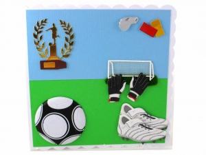 Geburtstagskarte mit Fußballmotive, Herzlichen Glückwunschkarte Fußball, Sportkarte mit Pokal, die Karte ist ca. 15 x 15 cm - Handarbeit kaufen