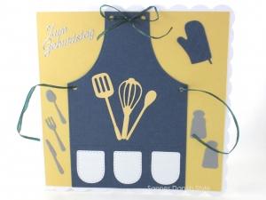 Geburtstagskarte Kochschürze, Verpackung für Gutscheine, Koch, Schneebesen, die Karte ist ca. 15 x 15 cm