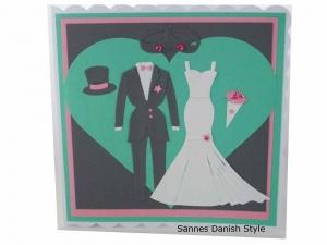Tolle 3D Hochzeitskarte für zwei Frauen, Hosenanzug und Brautkleid, in mint, grau und rosa, die Karte ist ca. 15 x 15 cm