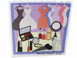 Geburtstagskarte, Kosmetik, Frau, Grußkarte, Geldgeschenkkarte, mit Lidschatten, Puder, Lippenstift die Karte ist ca. 15 x 15 cm - Handarbeit kaufen