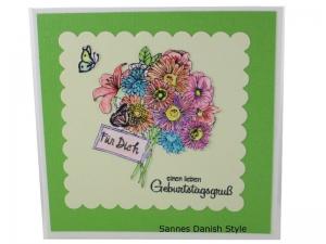 Blumenkarte, 3D Geburtstagskarte, Blumenstrauß, Glückwünsche mit Blumen, Blumengruß für die Frau, schöne Blumenstrauß, die Karte ist 13,5 x 13,5 cm - Handarbeit kaufen
