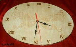 Zifferblattmit Schmetterling-Motiv NR1 aus Holz mit Laser - Brandmalerei Durchmesser 195mm - Handarbeit kaufen