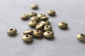 5er Set Holzlinsen in Gold- ungiftig, speichelfest und schadstofffrei - Handarbeit kaufen