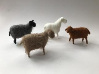 Stehendes Schaf für den Jahreszeitentisch,Weihnachten, Bauernhof,Krippe,Weihnachten,Waldorf-art,Schafen,Schäfchen,Krippe