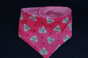 Süßes Wende - Halstuch für Mädchen ,in pink mit Frösche und Herzchen , andere Seite rosa mit weiße Punkte