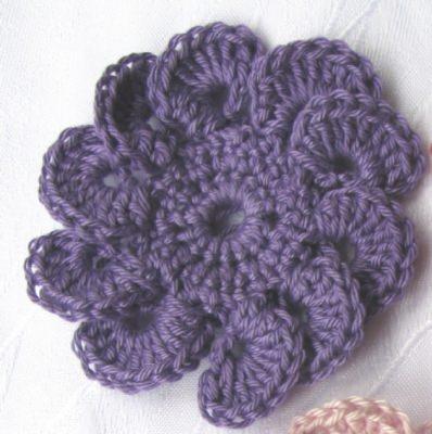 Blüte ☀ handgehäkelt aus Baumwolle in Lila oder in Ihrer Wunschfarbe bestellen