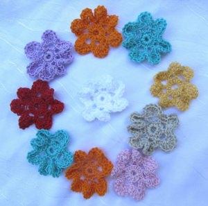 Blüten ☀ handgehäkelt aus Baumwolle in verschiedenen Farben bestellen