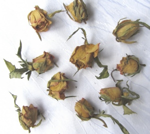 Rosenblüten getrocknet zum Dekorieren kaufen