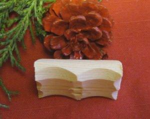 Knopf aus Fichtenholz handgemacht kaufen