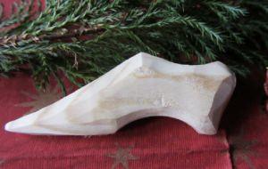 Figur aus Fichtenholz in der Form eines Schuhs handgefertigt unbehandelt kaufen