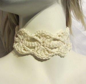 Edles Halsband ♡ handgehäkelt aus Baumwolle in Creme kaufen