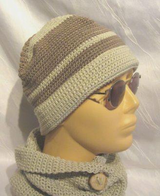 Handgehäkelte Mütze gehäkelt aus Baumwolle in der Farbe Leinen und Taupe kaufen - Handarbeit kaufen