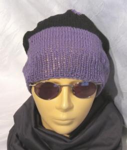 Mütze handgestrickt aus Baumwolle in Lila und Schwarz kaufen