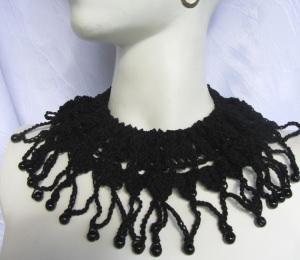 Halsschmuck handgehäkelt aus Baumwolle in Schwarz Gotikart kaufen