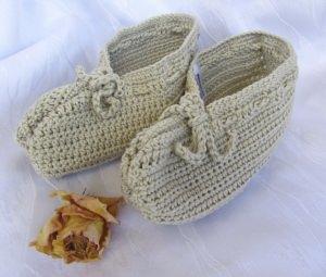 Hauspuschen handgehäkelt aus Baumwolle in Natur in Ihrer Wunschfarbe und -größe bestellen