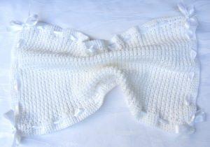 Gästehandtuch ♡ mit Satinband handgefertigt aus Baumwolle in Weiß kaufen