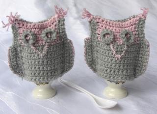 Eierwärmer ♥ handgefertigt aus Wolle in Grau und Rosa bestellen