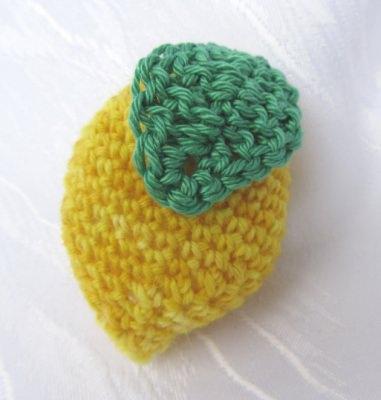 Zitrone handgehäkelt aus handgefärbter Wolle in gelb und grün bestellen