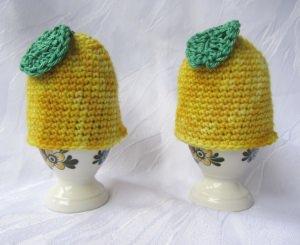 Eierwärmer handgehäkelt aus handgefärbter Wolle in gelb bestellen