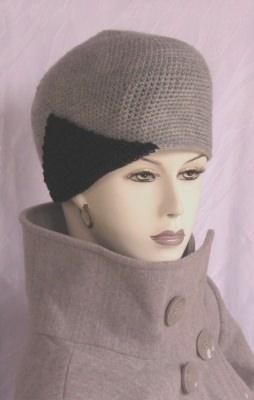 Mütze handgehäkelt aus Wolle in Grau und Schwarz kaufen