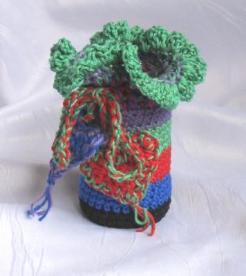 Vase im Häkelkleid handgehäkelt aus Baumwolle in schwarzbunt kaufen