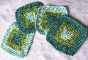 Untersetzer handgehäkelt aus Baumwolle in Grüntönen kaufen