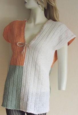 Shirt handgehäkelt aus Baumwolle in den Farben Weiß, Pastellaprikose und Pastellgrün kaufen