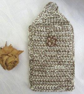 Schutzhülle für Smartphone handgehäkelt aus Baumwolle in taupe kaufen