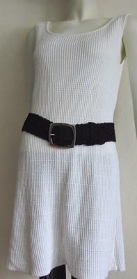 Gürtel 95 x 6 cm handgehäkelt aus Baumwolle in schwarz mit silberfarbiger Gürtelschließe kaufen