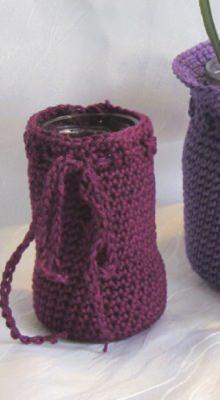 Vase ☀ in einem Kleid handgehäkelt aus Baumwolle in fuchsia kaufen
