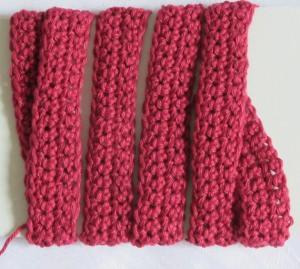 Geschenkband ♡ handgehäkelt aus Baumwolle in Rot auch in Wunschlänge und Wunschfarbe bestellen