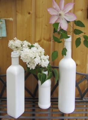 Vasen im 3er-Set handgefärbt in Weiß im Shabbylook als schöne Dekoration im Landhausstil kaufen