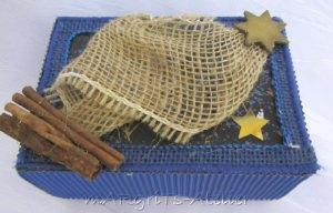 Geschenkschachtel ☆ Weihnachten handgefertigt aus verschiedenen Materialien in Blau und Natur kaufen