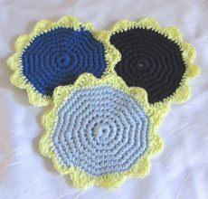 Untersetzer handgehäkelt aus Baumwolle in Blautönen kaufen