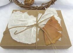 Handgefertigte Geschenkschachtel aus Wellpappe aus meiner Serie Natur in rechteckiger Form kaufen - Handarbeit kaufen